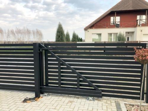 Ogrodzenie stalowe, cynkowane, malowane proszkowo z bramą przesuwną i furtką - KIM Ogrodzenia Budzyń, Chodzież, Piła, Poznań