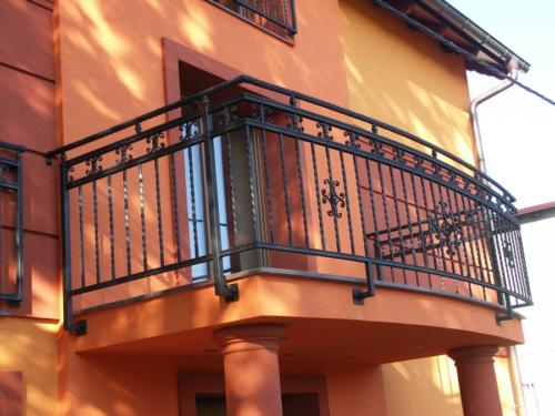 Balustrady na balkonach, tarasach, klatkach schodowych - wykonawstwo i montaż KIM Ogrodzenia Budzyń