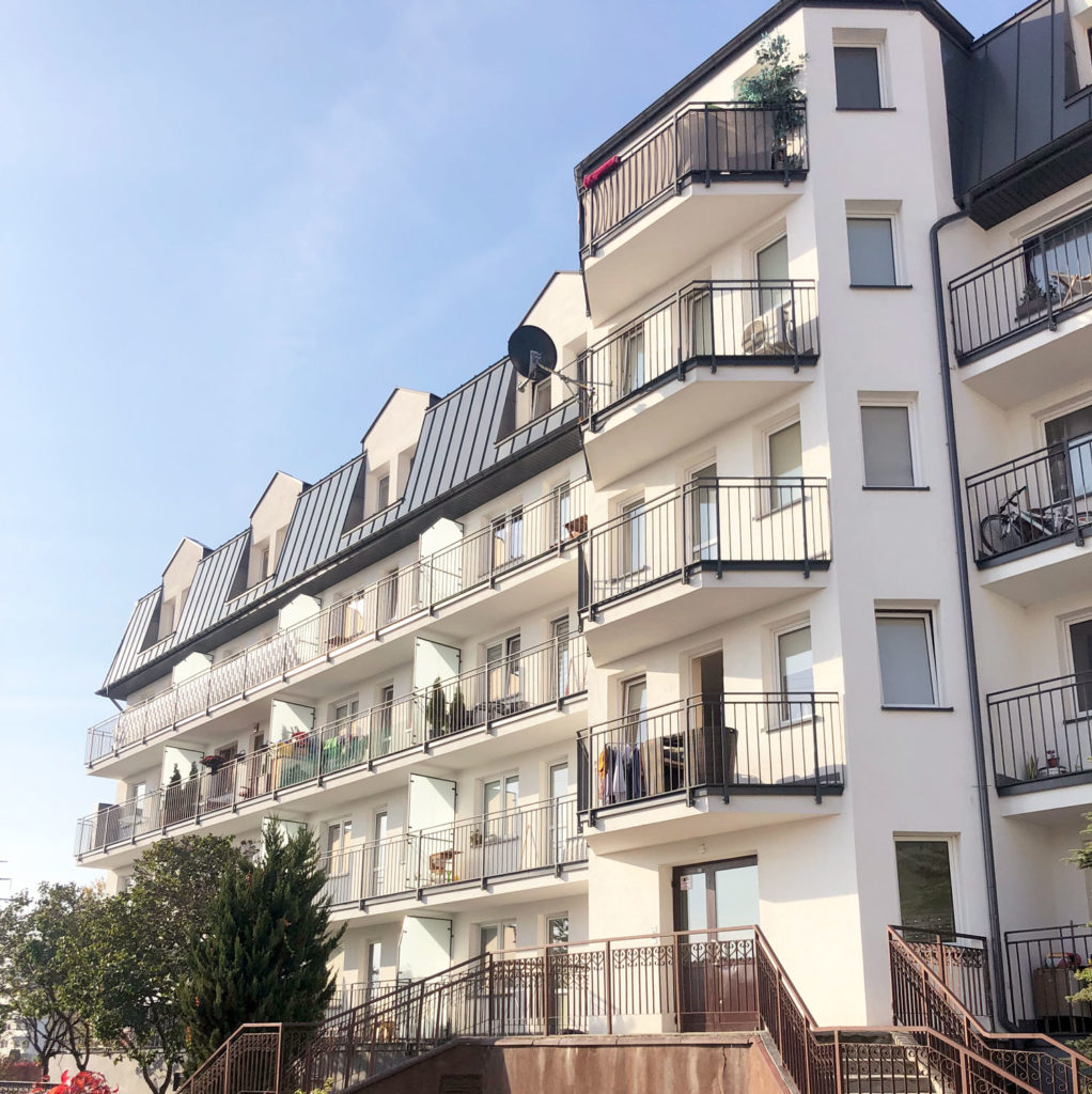 Balustrady balkonowe i przegrody balkonowe w Ząbkach k. Warszawy